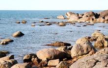 Tắm biển sau sinh nhật thầy, 2 học sinh chết đuối và mất tích