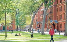 Sinh viên Mỹ gốc Á được bảo vệ trong phiên tòa chống lại ĐH Harvard