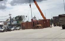 Hai xe container tông nhau, giao thông ách tắc hàng giờ