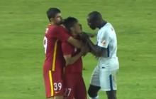 Cựu sao Chelsea bị cầu thủ Trung Quốc phân biệt chủng tộc
