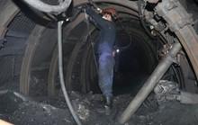 2 công nhân bị vùi lấp trong hầm lò