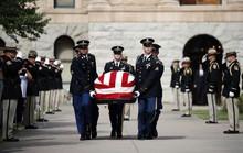 Ông Trump không tham gia các nghi lễ tưởng niệm ông McCain