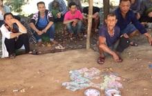 Đột kích sới bạc khủng núp dưới chân chùa Hương Tích