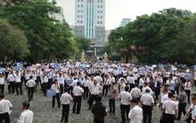 Hàng trăm tài xế Vinasun đến tòa phản đối Grab