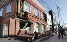 Nhật Bản: Động đất mạnh, hàng trăm cuộc gọi báo người mất tích