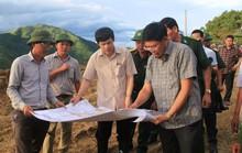 Trung chuyển 32.000 lít xăng dầu qua Lào đưa về tiếp tế cho Mường Lát