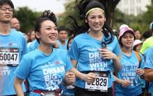 Choáng ngợp với 8.000 VĐV ở Giải Marathon TP HCM 2018