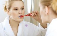 Phát hiện bệnh tim nhờ… đánh răng