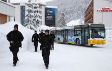 Davos nóng hầm hập