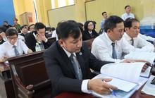 Tòa xử đại án Trầm Bê: Trầm Bê vui vẻ, Phạm Công Danh than mệt
