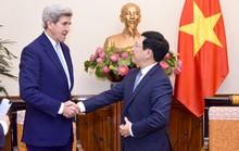 Phó Thủ tướng tiếp cựu Ngoại trưởng Mỹ John Kerry