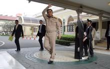 Thủ tướng Thái Lan nhường hình nhân bìa cứng tiếp báo giới