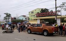 Đang xử lý tai nạn, một CSGT cùng nhiều người bị xe tông trọng thương