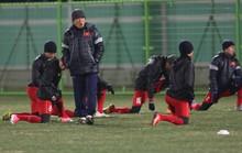 Dùng người Hàn cản U23 Hàn