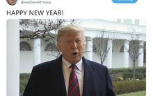 """Ông Trump """"than thở"""" trong video mừng năm mới"""