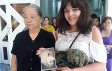 Cô gái Pháp rưng rưng gặp lại gia đình ở Vũng Tàu sau nhiều năm thất lạc