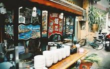 Quán hủ tiếu có thâm niên được chế biến công phu ở Sài Gòn