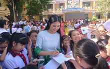 Trao tặng hơn 13.300 cuốn sách cho học sinh Phú Quốc
