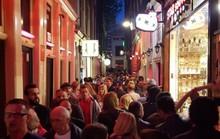 Kẻ thù mới của phố đèn đỏ Amsterdam
