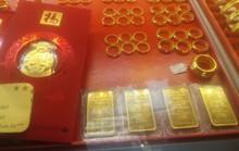 Trước ngày Thần Tài, nhiều doanh nghiệp mua bán vàng neo giá