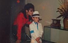 Phim tài liệu cáo buộc Michael Jackson ấu dâm ra mắt gây sốc