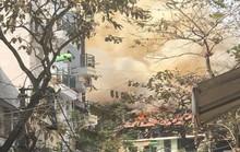 Nhà phố cổ Hà Nội bốc cháy dữ dội ngày tiễn ông Công, ông Táo