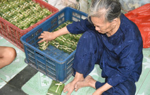 Làng bánh chưng mỗi ngày xuất hàng chục tấn ở Đồng Nai