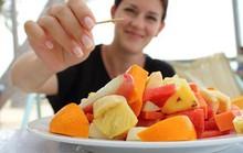 Ăn trái cây thay cơm, sao vẫn béo?
