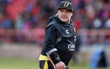 Huyền thoại sống Maradona nhập viện khẩn