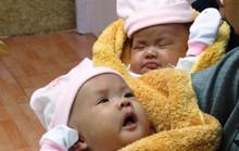 Rụng tim với 2 cô bé song sinh dính liền ngày xuất viện