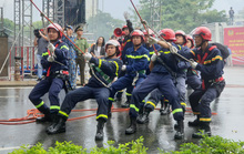 Cận cảnh trực thăng và 1.000 người tham gia diễn tập PCCC tại Đà Nẵng