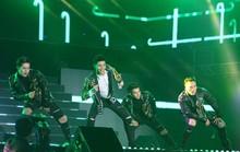 Noo Phước Thịnh trình diễn trên sân vận động 25.000 khán giả ở Hàn Quốc