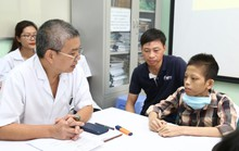 Thiếu niên 17 tuổi, nặng 30 kg được xuất viện sau ghép phổi 10 tháng