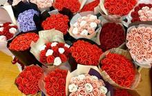 Bán hoa tự gấp lãi 30 triệu đồng mùa kinh doanh 20-10