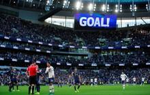 Tottenham được bẻ còi giải cứu, VAR xin lỗi người hâm mộ Anh
