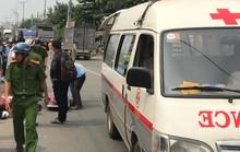 TP HCM: Né xe máy băng ra, người phụ nữ bị xe tải cán chết thương tâm