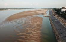 Khi sông Mekong thiếu... nước