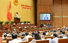 Quốc hội thảo luận về kinh tế - xã hội và ngân sách nhà nước tại hội trường