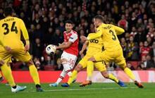 Sao 18 tuổi bùng nổ, Arsenal lên ngôi đỉnh bảng Europa League