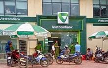 Cựu trung úy công an nổ súng vào ngân hàng bị thay đổi tội danh từ Gây rối trật tự công cộng sang Cướp tài sản