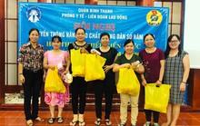 Nữ công nhân được bồi dưỡng kỹ năng chăm sóc trẻ