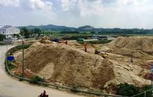 Xôn xao núi cát khủng do vợ Chánh văn phòng UBND tỉnh Quảng Ngãi làm chủ