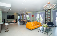 Chủ nhà gộp ba căn hộ để có phòng khách hơn 100 m2
