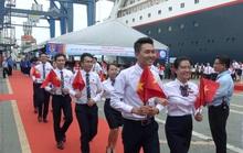 Tàu SSEAYP chở thanh niên tiêu biểu đến TP HCM