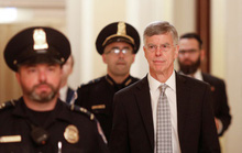 Mỹ: Tranh cãi chuyện nhân chứng ra điều trần luận tội