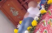 Bé trai 2 tuổi ngồi chơi một mình nuốt hạt nhãn bị hóc tử vong