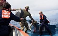 Tuần duyên Mỹ rượt đuổi tàu bán ngầm tự chế khả nghi