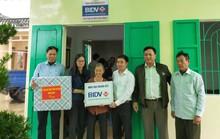 Trao nhà đại đoàn kết hỗ trợ người nghèo ở Thái Bình