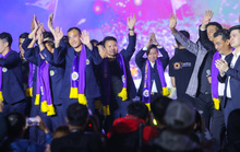 Quang Hải cùng CLB Hà Nội rạng ngời trong ngày vinh danh, đón nhận Huân chương Lao động hạng Ba