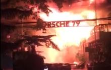 Quán bar chìm trong biển lửa, nhiều người lao ra đường hoảng loạn